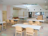 明るい食堂兼談話室